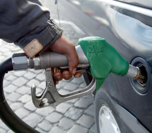 Petrol stations to strike - twice