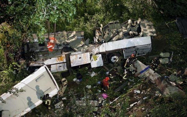 National day of mourning for bus crash victims