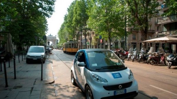 Car2Go drives off in Milan