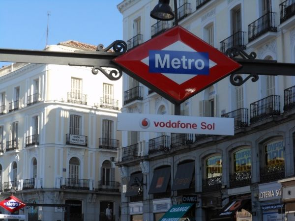 Milan seeks sponsors for metro