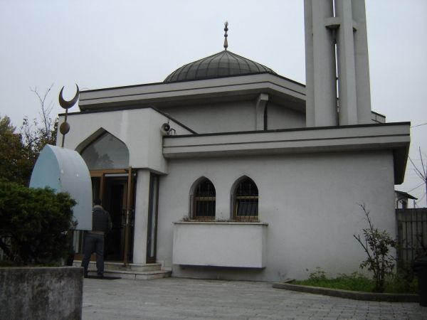 Mosque a priority for central Milan