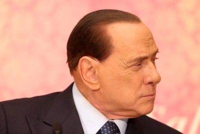 Berlusconi starts community service