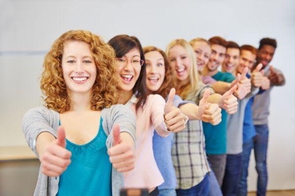 EU seeks young volunteers