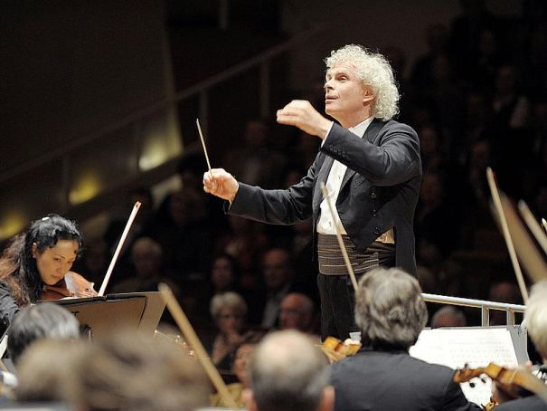 Sir Simon Rattle conducts the Berliner Philharmoniker