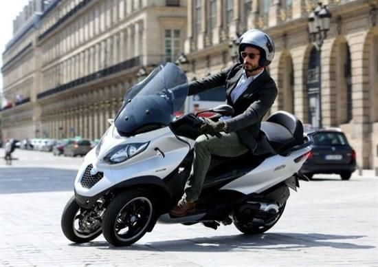 Enjoy scooter sharing shows off in Milan