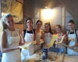 COOKING CLASS IN A MILANESE HOME