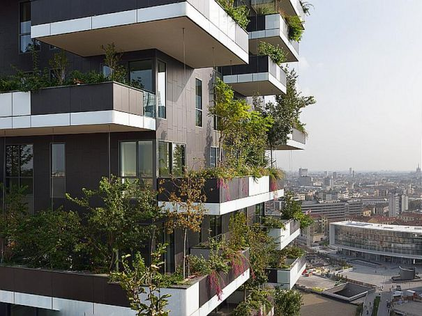 Milan's Bosco Verticale gets top architecture prize
