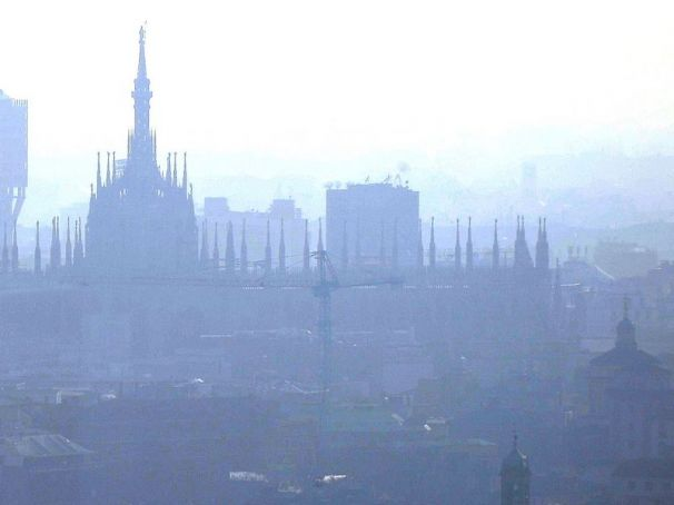 Milan bans cars for three days