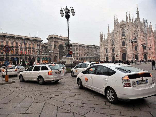 "Milan city to fund ""black box"" cameras for taxis"