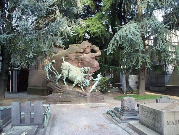 Guided tours of Milan's Monumental Cemetery