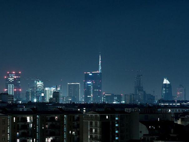 "Milan ""last bastion of Italian commerce"", FT says"