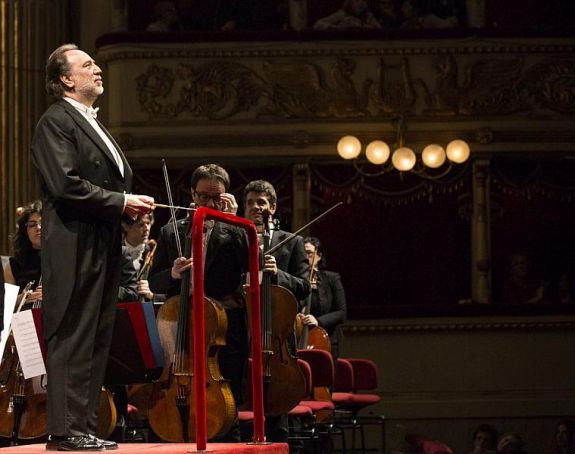 Milan city hall to sell La Scala first night seats