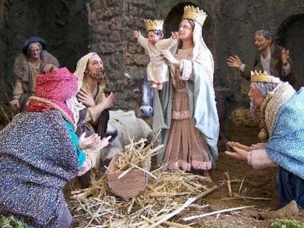 Milan city hall hosts traditional Christmas crib