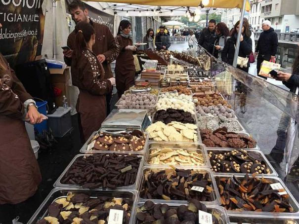 Chocolate reigns on Milano's Navigli