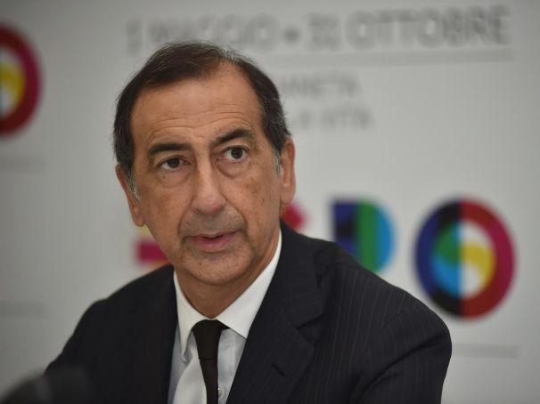 Mayor of Milan steps aside