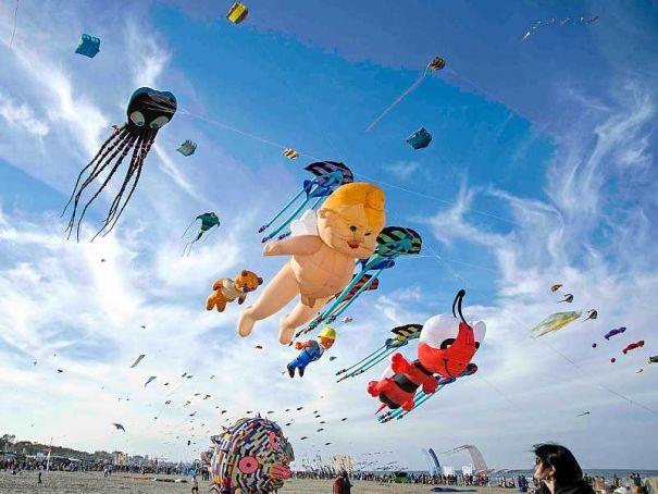 Giant kite party in Rho gardens