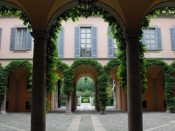 Milan's private courtyards open to the public