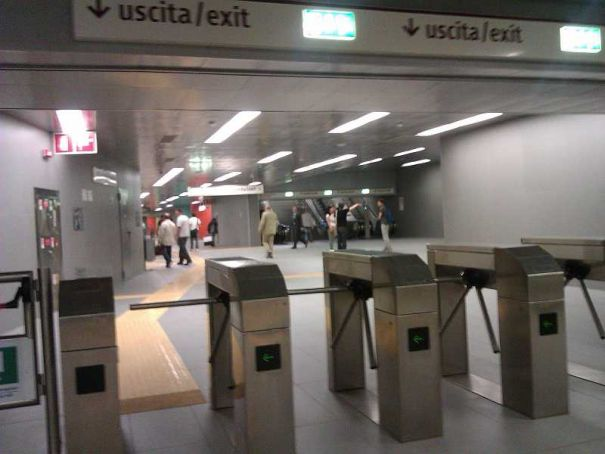 Extra checks on Milan's metro