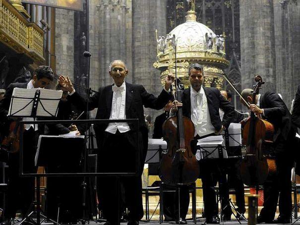 Free Christmas concert in Milan's Duomo
