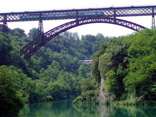 Major Lombardy road, rail bridge closed for checks
