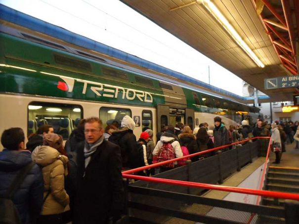 Milan's Trenord cuts trains, adds buses