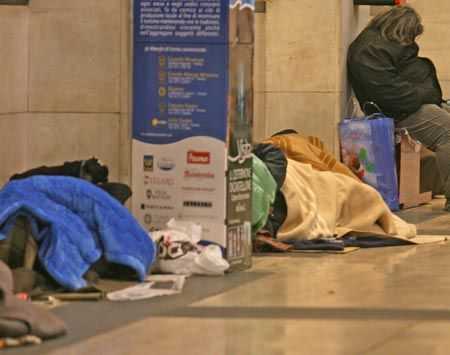 Milan's Central Station a refuge for the homeless - image 2
