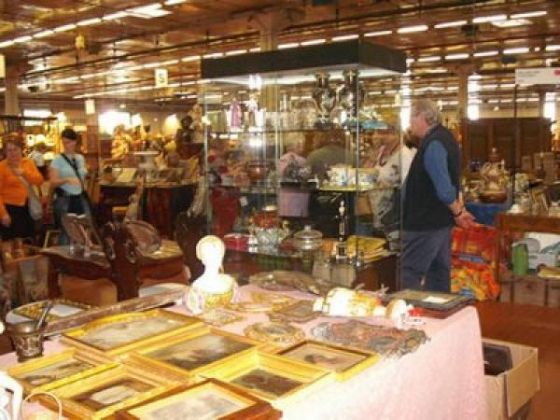 Brocantage: Top Class Antiques Fair - image 3