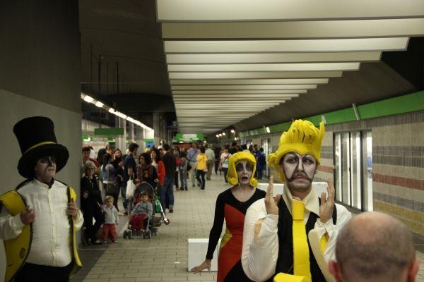 Street art in Milan metro - image 2