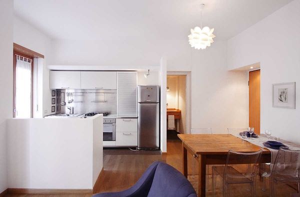 Nice 1br condo, good Fiera location, spacious, many extras - image 1