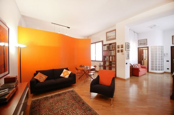 Single rooms or entire apartment to share, nicely-furnished, extras - image 1