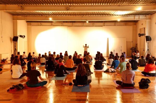 Milan hosts Yoga Festival - image 2