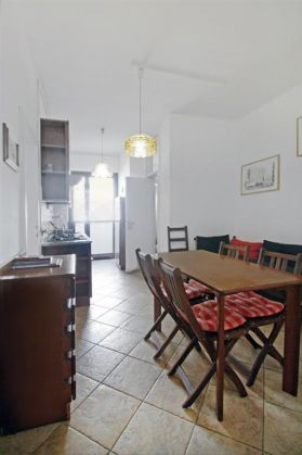 Furnished 1br apartment, good location, reasonable rate - image 2