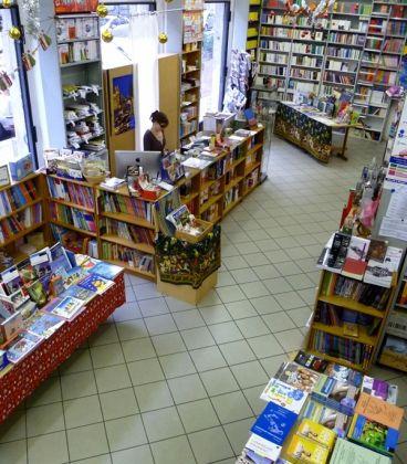 Il Libro - The international bookshop - image 1