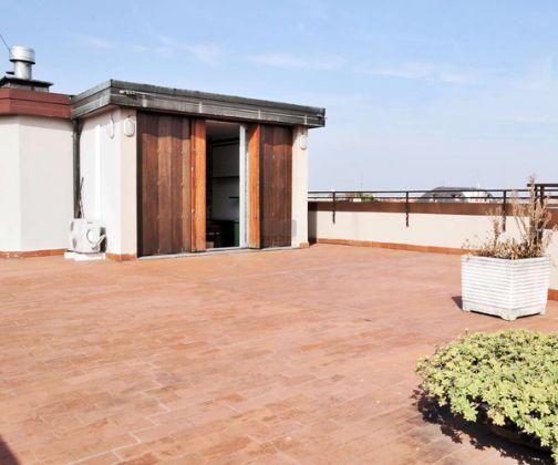 Apartment for rent in Porta Venezia Area - image 11