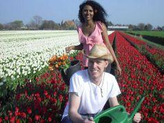 "Italy's first ""U-pick"" tulip farm in Milan"