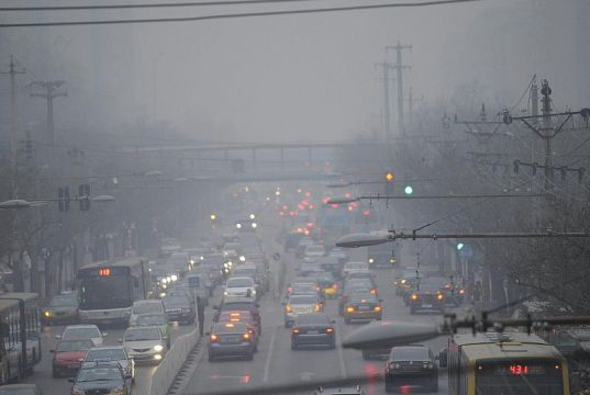 Milan smog triggers pollution controls