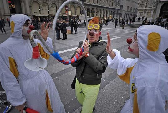 Milan invaded by clowns
