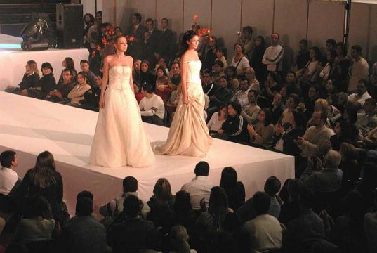 Milan hosts annual fair for brides and grooms-to-be