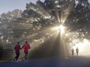 Milan runners head for the parks