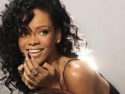 Rihanna brings world tour to Milan