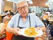 Supermarket waste feeds the homeless in Milan