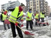 Milan seeks workers for snow clearance