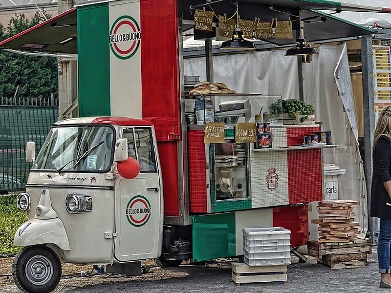 Eat urban at milan s street food festival wanted in milan for Milan food market