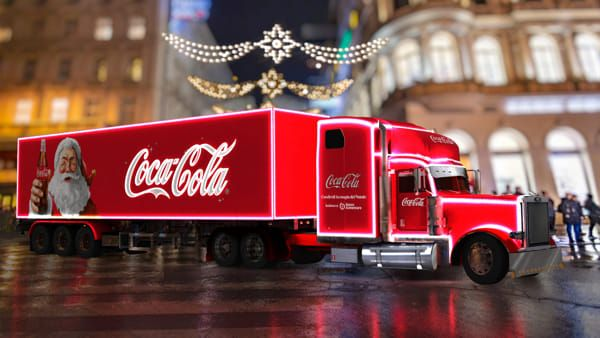 Coca Cola Christmas Truck comes to Italy   Wanted in Milan