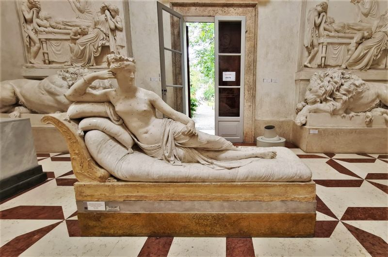 Police Identify Tourist Who Broke Toes Off Canova Sculpture During Selfie