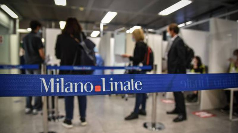 Italy Milan Airport Stops Traveller Boarding Covid Free Rome Flight A